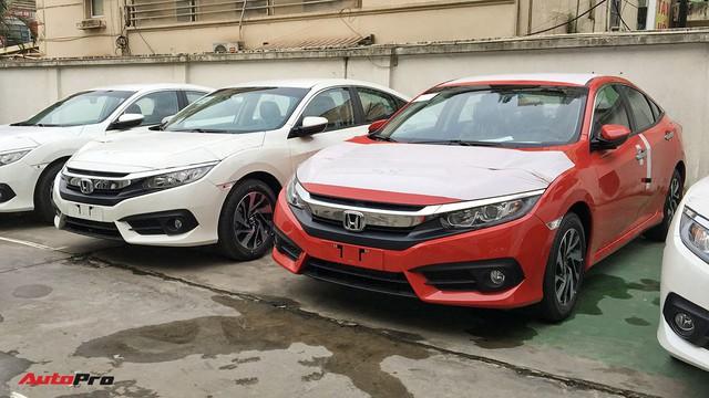 Thêm phiên bản mới giá rẻ, Honda Civic đắt khách kỷ lục tại Việt Nam - Ảnh 2.