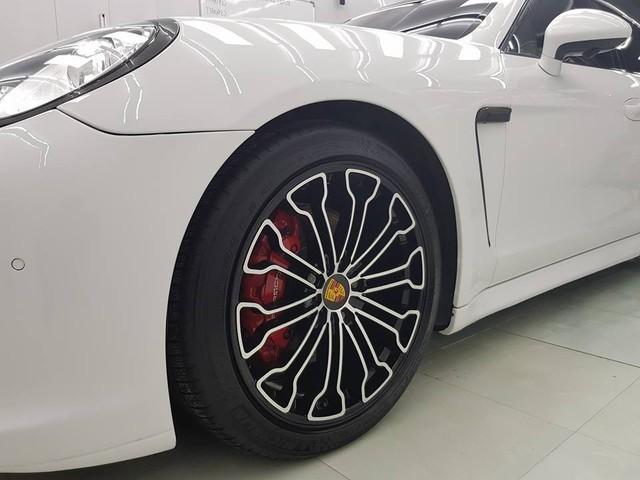 Porsche Panamera 2010 độ mâm siêu xe 918 Spyder rao bán lại giá 1,95 tỷ tại Hà Nội - Ảnh 12.