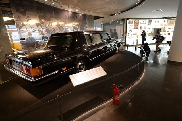 Chiếc limousine mới toanh của tổng thống Putin sắp có mặt trên thị trường - Ảnh 4.