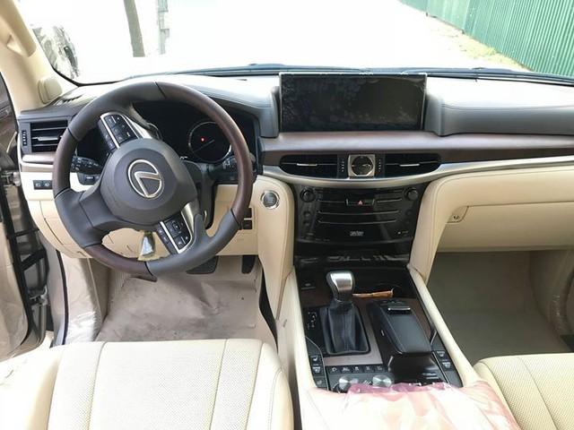 Lexus LX570 2018 bản Mỹ về Việt Nam, giá tăng vọt lên mức gần 9,2 tỷ đồng - Ảnh 7.