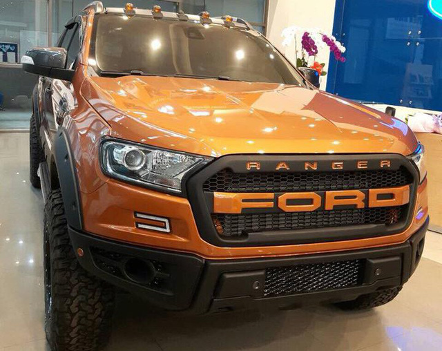 Chưa có hàng mới, Ford Ranger được độ lại kiểu Raptor để hút khách Việt với giá 1,1 tỷ đồng - Ảnh 2.