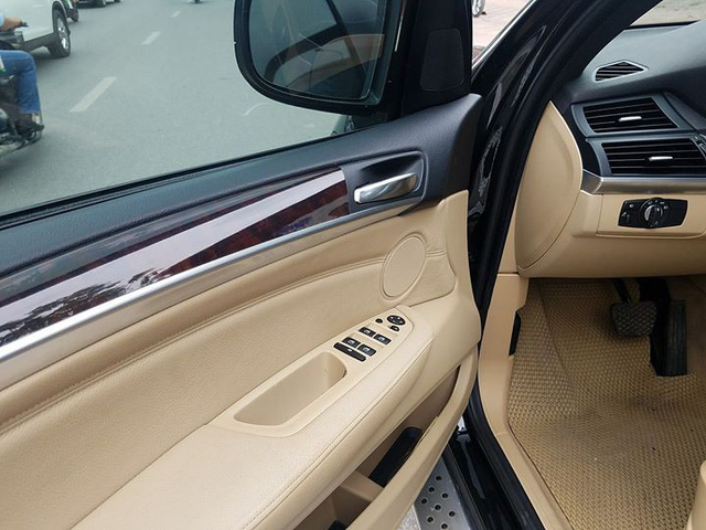 """SUV 7 chỗ hạng sang BMW X5 10 năm tuổi bán lại giá """"bèo"""" tại Hà Nội - Ảnh 11."""