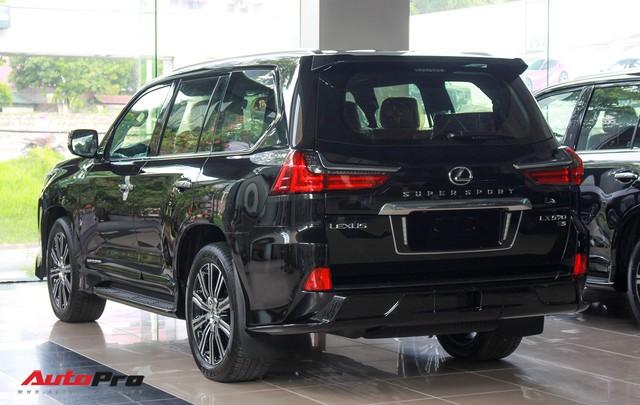 Giá gần 10 tỷ đồng, Lexus LX570 Super Sport vẫn ùn ùn về Việt Nam cho các tay chơi nhà giàu - Ảnh 7.