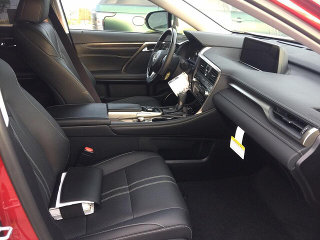 Thêm Lexus RX 350L phiên bản vành xoáy với nhiều trang bị hơn về Việt Nam - Ảnh 5.