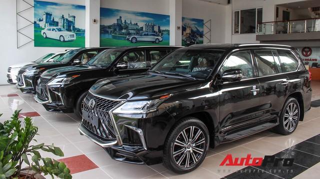 Giá gần 10 tỷ đồng, Lexus LX570 Super Sport vẫn ùn ùn về Việt Nam cho các tay chơi nhà giàu