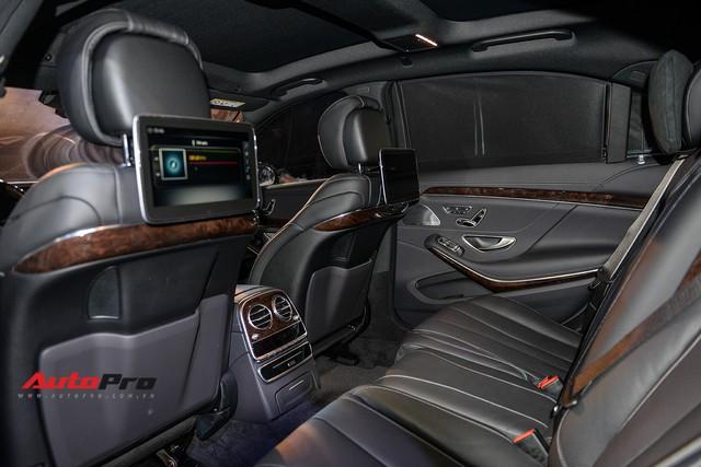 Vừa ra mắt, Mercedes-Benz S450 L 2018 đã lăn bánh trên đường, cặp cùng Lamborghini độc nhất Việt Nam - Ảnh 9.