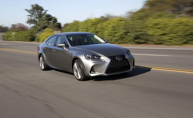 Lexus quay lưng với IS, GS mới - Ảnh 1.