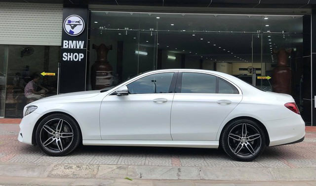 Mercedes-Benz E300 AMG 2017 sử dụng 1 năm lỗ hơn nửa tỷ đồng - Ảnh 4.