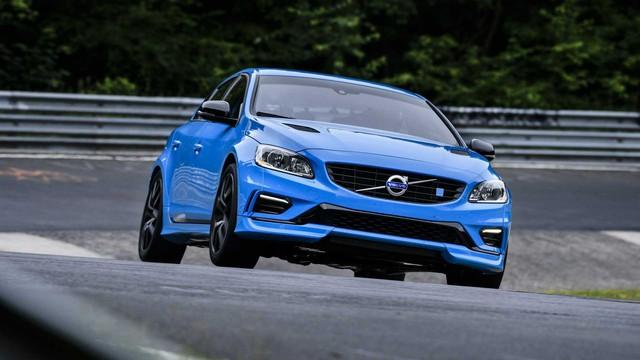 Biết gì về Volvo S60 2019 ra mắt trong tháng này? - Ảnh 3.
