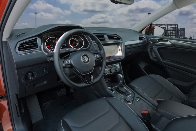 SUV 7 chỗ Volkswagen giá 1,7 tỷ đồng đã có mặt tại đại lý, sẵn sàng đấu Mercedes-Benz GLC - Ảnh 4.