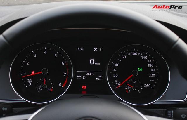 Đánh giá Volkswagen Passat: Lựa chọn khó khăn cho đại gia Việt còn mặn nồng xe Nhật, Hàn - Ảnh 12.