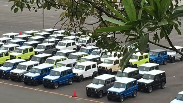 SUV mới của Suzuki tiếp tục lộ ảnh nóng - Ảnh 1.