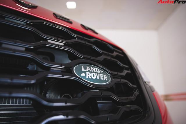 Soi kĩ Range Rover Velar màu đỏ đầu tiên của Việt Nam - Ảnh 10.
