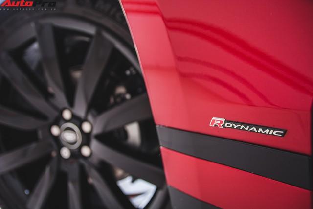 Soi kĩ Range Rover Velar màu đỏ đầu tiên của Việt Nam - Ảnh 8.