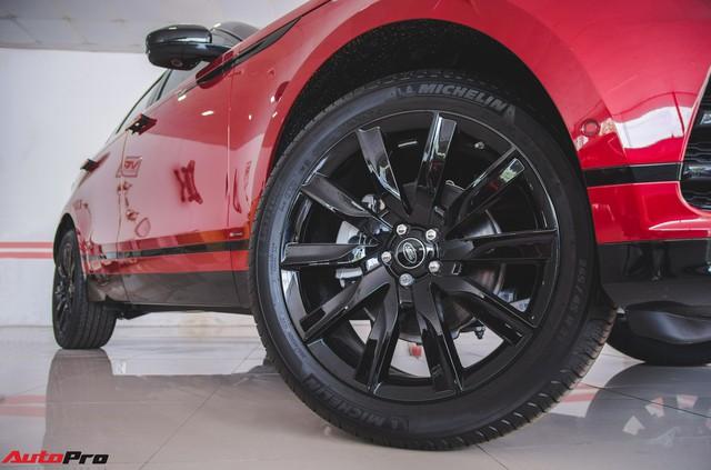 Soi kĩ Range Rover Velar màu đỏ đầu tiên của Việt Nam - Ảnh 6.