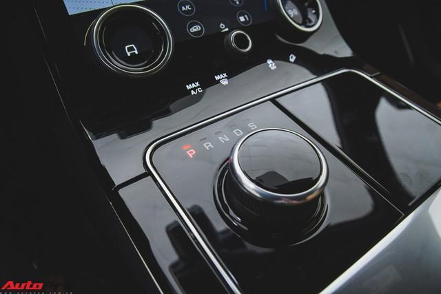 Soi kĩ Range Rover Velar màu đỏ đầu tiên của Việt Nam - Ảnh 14.