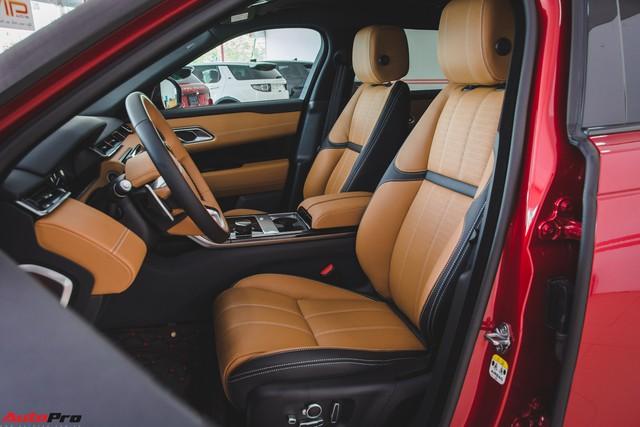 Soi kĩ Range Rover Velar màu đỏ đầu tiên của Việt Nam - Ảnh 18.