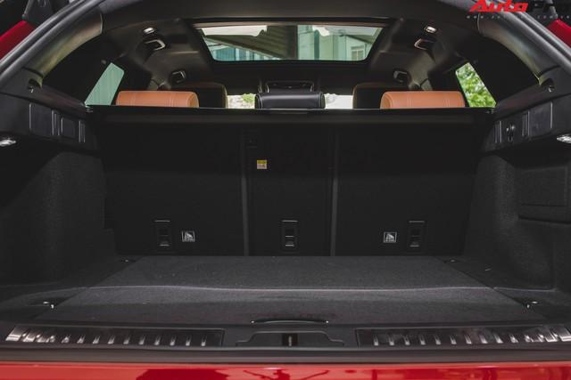 Soi kĩ Range Rover Velar màu đỏ đầu tiên của Việt Nam - Ảnh 22.