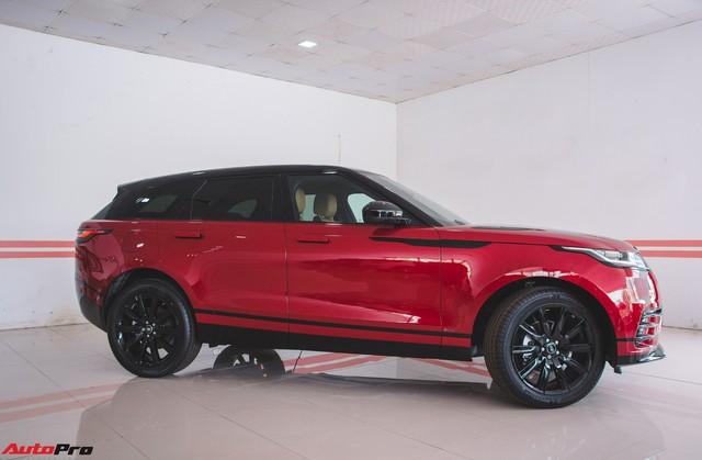 Soi kĩ Range Rover Velar màu đỏ đầu tiên của Việt Nam - Ảnh 3.