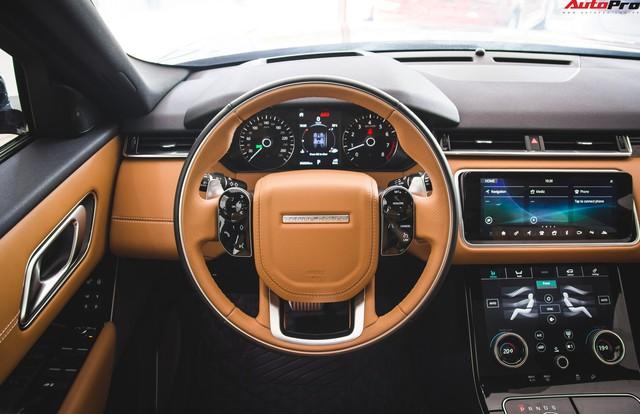 Soi kĩ Range Rover Velar màu đỏ đầu tiên của Việt Nam - Ảnh 13.