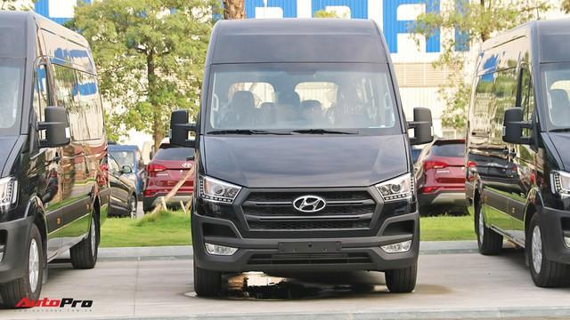 Chênh hơn 160 triệu đồng, Hyundai Solati có gì vượt trội hơn Ford Transit để chiều thượng đế Việt? - Ảnh 19.