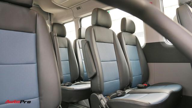 Chênh hơn 160 triệu đồng, Hyundai Solati có gì vượt trội hơn Ford Transit để chiều thượng đế Việt? - Ảnh 13.