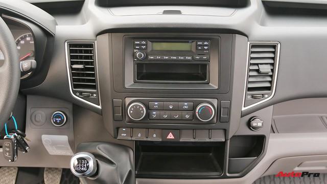 Chênh hơn 160 triệu đồng, Hyundai Solati có gì vượt trội hơn Ford Transit để chiều thượng đế Việt? - Ảnh 11.