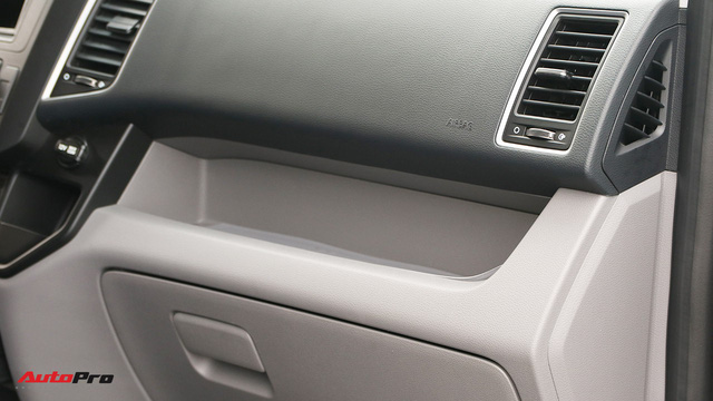 Chênh hơn 160 triệu đồng, Hyundai Solati có gì vượt trội hơn Ford Transit để chiều thượng đế Việt? - Ảnh 9.