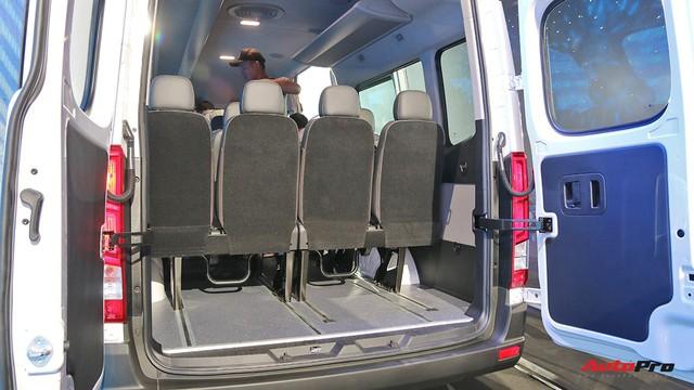Chênh hơn 160 triệu đồng, Hyundai Solati có gì vượt trội hơn Ford Transit để chiều thượng đế Việt? - Ảnh 17.