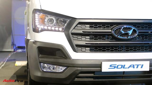 Chênh hơn 160 triệu đồng, Hyundai Solati có gì vượt trội hơn Ford Transit để chiều thượng đế Việt? - Ảnh 7.