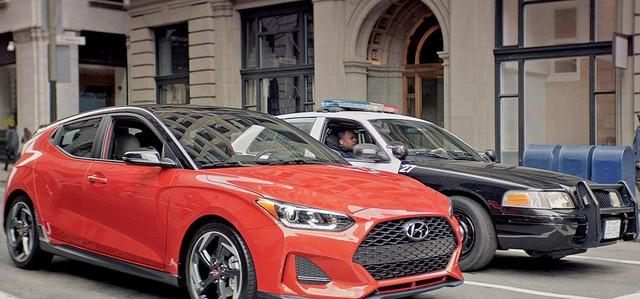 Veloster - Xe bán ít nhưng là người hùng thầm lặng của Hyundai - Ảnh 1.