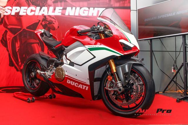 (4h) Chi tiết Ducati Panigale V4 Speciale giá ngang xe ô tô Mercedes-Benz của Biker Việt - Ảnh 30.