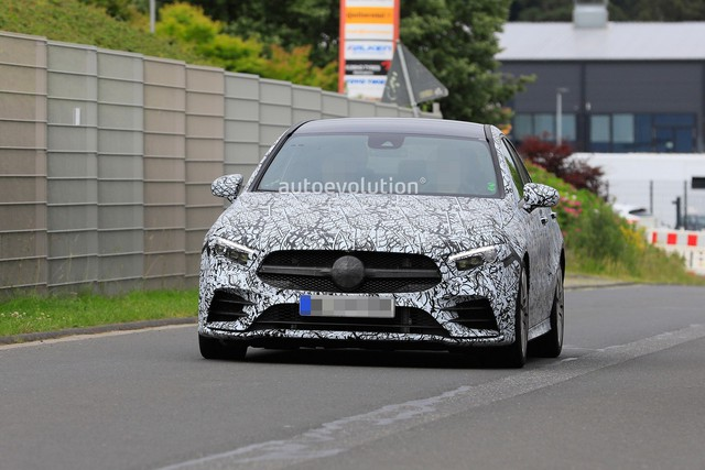 Xe ít đối thủ Mercedes-AMG A35 sedan bắt đầu chạy thử - Ảnh 3.