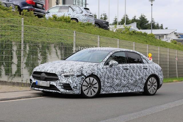 Xe ít đối thủ Mercedes-AMG A35 sedan bắt đầu chạy thử - Ảnh 1.