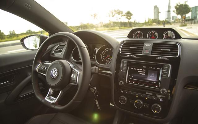 Tranh thủ mùa World Cup, Volkswagen tặng 40 triệu đồng cho khách mua xe Scirocco - Ảnh 5.