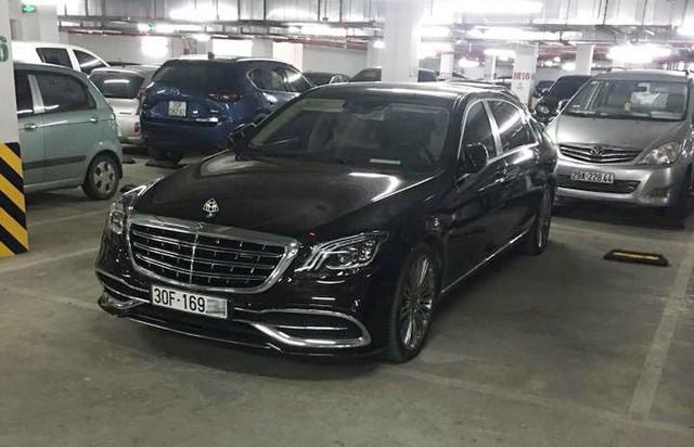 Hà Nội: Chủ xe sang Mercedes-Maybach đỗ xe sai và bị khóa bánh nhưng người bị chỉ trích nặng nề nhất lại là bảo vệ hầm tòa nhà - Ảnh 1.
