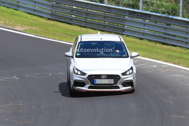 Hyundai mang i30 tới thử sức đường đua Nurburgring - Ảnh 2.