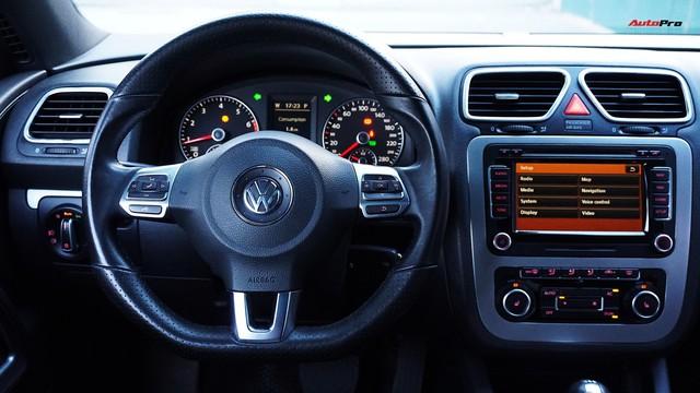 Sau 7 năm, mẫu xe thể thao hatchback Volkswagen Scirocco có giá 550 triệu đồng - Ảnh 12.