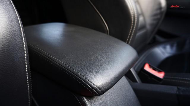 Sau 7 năm, mẫu xe thể thao hatchback Volkswagen Scirocco có giá 550 triệu đồng - Ảnh 20.