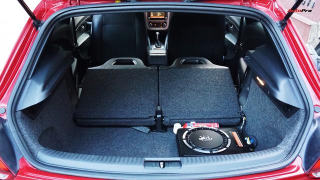 Sau 7 năm, mẫu xe thể thao hatchback Volkswagen Scirocco có giá 550 triệu đồng - Ảnh 8.