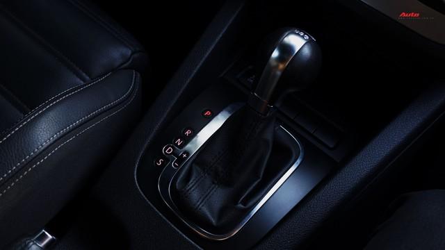 Sau 7 năm, mẫu xe thể thao hatchback Volkswagen Scirocco có giá 550 triệu đồng - Ảnh 19.