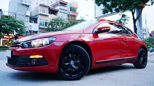 Sau 7 năm, mẫu xe thể thao hatchback Volkswagen Scirocco có giá 550 triệu đồng - Ảnh 1.