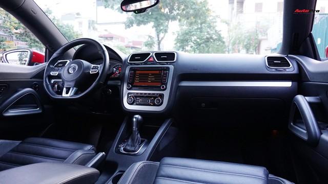 Sau 7 năm, mẫu xe thể thao hatchback Volkswagen Scirocco có giá 550 triệu đồng - Ảnh 11.