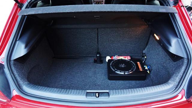 Sau 7 năm, mẫu xe thể thao hatchback Volkswagen Scirocco có giá 550 triệu đồng - Ảnh 7.