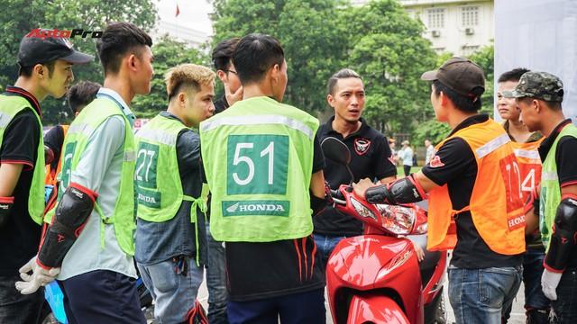 Hàng chục xe Honda Winner thả dáng tại Hà Nội - Ảnh 2.