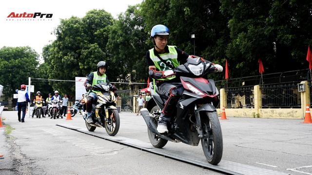 Hàng chục xe Honda Winner thả dáng tại Hà Nội - Ảnh 5.