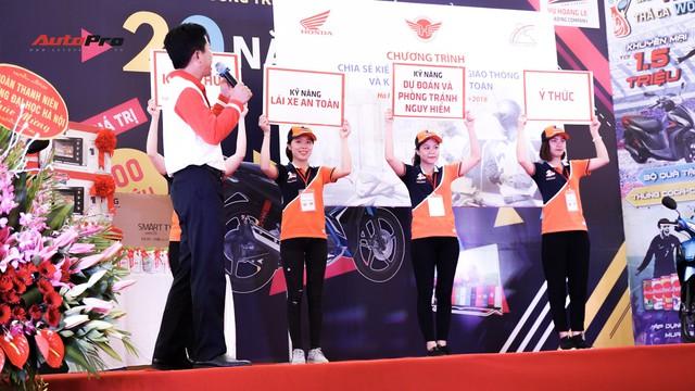 Hàng chục xe Honda Winner thả dáng tại Hà Nội - Ảnh 6.
