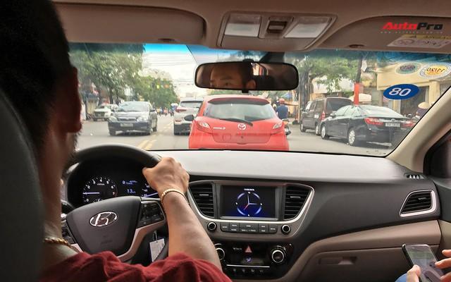 Với 4,4 lít xăng, Hyundai Accent AT 2018 có thể đi được 100 km đường hỗn hợp - Ảnh 3.
