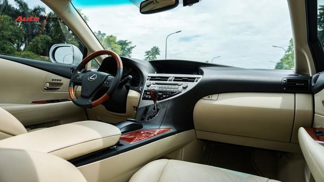 Lexus RX350 cũ, độ chống trộm gương và 3 màn hình android có giá dưới 1,7 tỷ đồng - Ảnh 10.