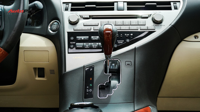 Lexus RX350 cũ, độ chống trộm gương và 3 màn hình android có giá dưới 1,7 tỷ đồng - Ảnh 15.